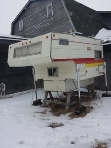 8' Skylark truck camper fridge stove and jacks