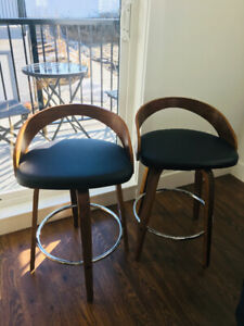 Bar stools - almost brand new