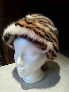 Plusieurs chapeaux a vendre
