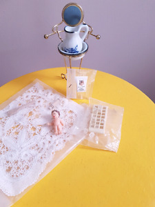 Mini doll house accessories