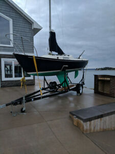 23 foot BlueJacket paceship, trailer and motor