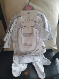 *STILL AVAILABLE* BRAND NEW - Babies clothes sets. NEWBORN