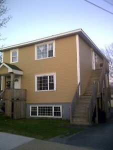 Cozy & Spacious 3 Bdrm Flat near Downtown Dartmouth & Crossing