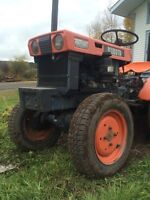 Kubota tractor wanted for parts: B7100,B5100,B6000 or B6100