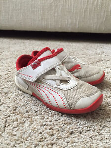 Puma sneakers - size 7