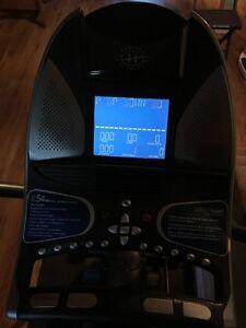 Horizon Fitness E54HR Elliptical Trainer West Island Greater Montréal image 4
