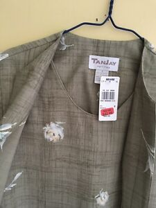 Tanjay petite., size 8, brand new with tag on West Island Greater Montréal image 2