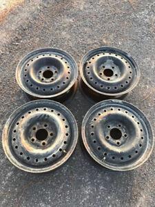 Rims 15 po - 5 trous en acier/ 15 inches - 5 holes steel
