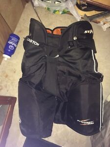 Men's hockey pants- worn 2x