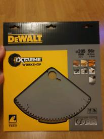 DEWALT DT4290-QZ 305MM X 30MM X 96T EXTREME MITRE SAW BLADE