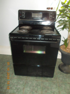 Black Oven/Stove Like New For Sale