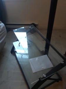 Meuble de télévision en vitre