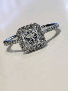 14kt White Gold Diamond Halo Design Engagement Ring!