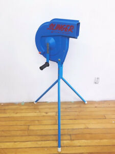 Whiffle ball Pitching Machine