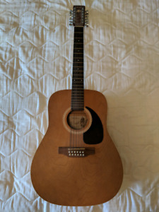 12-string acoustic - Made in Canada by Art & Lutherie / Godin