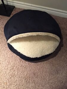 Never used cat/dog bed