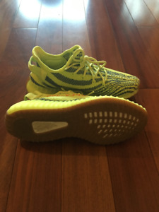 """ADIDAS YEEZY BOOST 350 V2 """"FROZEN YELLOW"""" (Size 10.5 US)"""