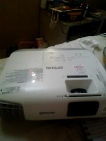 EPSON 3LCD HDMI PROJECTOR MODEL H570B