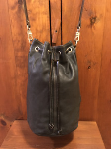 Rugby North America Xl Thick Black Leather Duffle Hobo Bucket Ba
