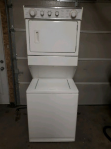 Stacking washer and dryer