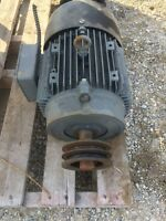 WORKING 3 phase 550 electric motor