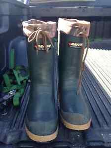 Size 9 Baffin waterproof winter boot