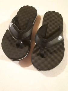 Boys Puma and north face sandals