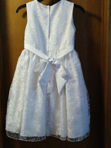 First Communion Dress - Like NEW Windsor Region Ontario image 4