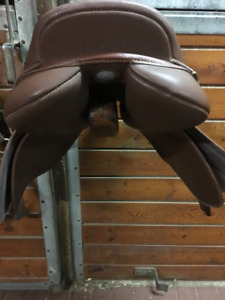 Wintec Close Contact Saddle for Sale