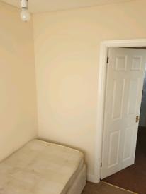 Single Room Tolet in Dartford