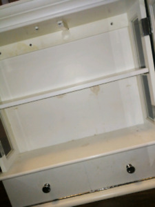 White bathroom cabinet need gone today!,