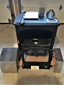 Napoleon/Wolf High Efficiency Model OS10-3 Oil Stove. Brand New