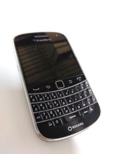 Original Blackberry 9900 Bold, 3G QWERTY+Touch screen