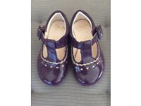 Clarks baby girl shoes size 4 G lighting up