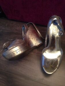 GUESS shoes size  6.5 Kitchener / Waterloo Kitchener Area image 1