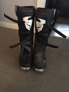 Thor dirt bike boots
