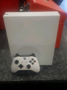 1TB XBOX ONE S SYSTEM WITH CONTROLLER