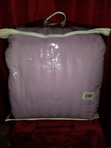 BNIB ST. CLAIR DAMASK STRIPE DOWN ALTERNATIVE 3PC COMFORTER SET
