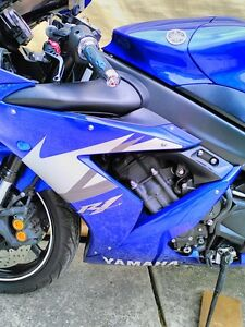 2 YAMAHA R1 2005 ALMOST COMPLETE WILL PART IT OUT 5000MI Windsor Region Ontario image 7