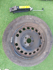 Spare well with car jack