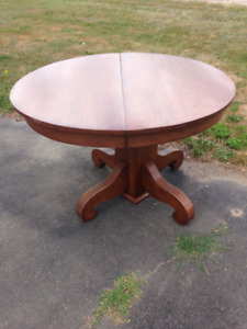 Antique Dinning table and Dresser with round mirror