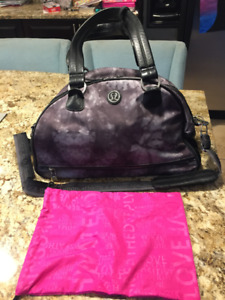 Lululemon Gym bag with wet bag and separate room for shoes