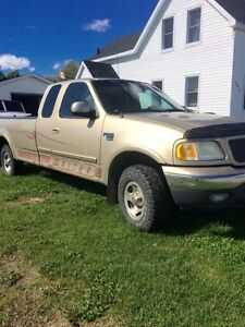 1999 Ford (good parts truck)