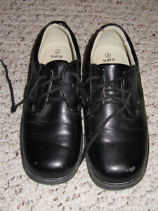 Shoes boys black dress Kitchener / Waterloo Kitchener Area image 1