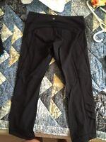 Lulu lemon black crop leggings (sz8)