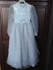 First Communion or Flower Girl Dress w/Floral Crown - Like New! London Ontario image 5