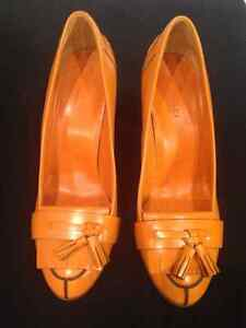 Authentic Gucci Leather Orange shoes 7 1/2 C