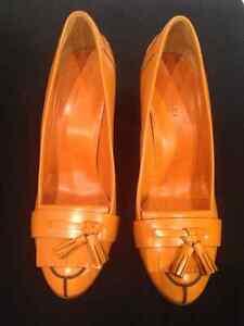 Authentic Gucci Leather Orange shoes 7 1/2 C