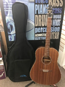 Used Seagull S6 Mahogany Deluxe W/Bag