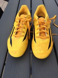 Chaussures de Soccer junior youth Soccer shoes size 6